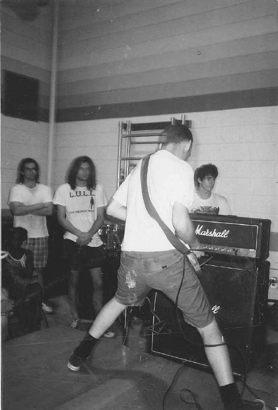 Ian (Fugazi) live in Philadelphia 1988